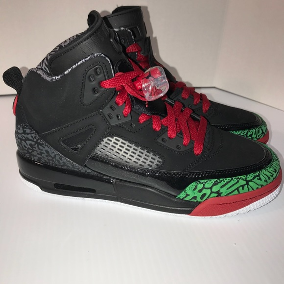 cheap for discount 5cf34 ad5f4 Jordan Other - Nike Air Jordan Spizike Black Green Red GS Sz 6